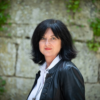 FRÉDÉRIQUE BRUNEAU</p> <p>Social Media Manager